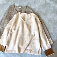 SELECT bi-color Vneck knit