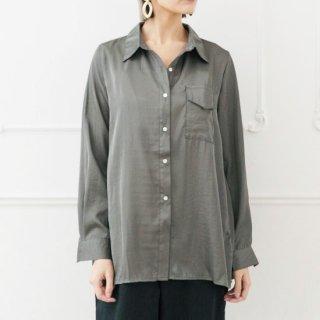 シャイニーサテンシャツ(BAILA掲載商品)