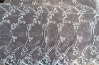 【生地】抽象柄 クリアラメ織込刺繍 チュールレース 布地 カーテン 幅140cm×丈155cm 白 輸入生地