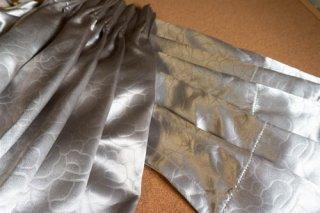 【生地】シルバー 薔薇連続柄 厚手のカーテン 幅57cm×丈225cm 輸入生地