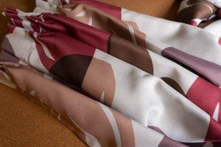 【生地】ピンク×パープル×ブラウン 大柄の花模様のカーテン 幅58cm×丈225cm 輸入生地