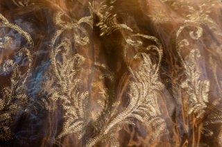 【生地】玉虫色 銀糸刺繍レース布地カーテン仕立て上がり 幅122cm×丈233cm 玉虫色 光沢あり高級輸入生地