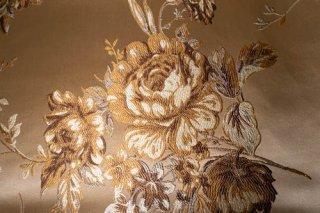 【生地】ベージュに金刺繍の豪華な薔薇模様の布地 シノワズリー  123cm×144cm 高級輸入生地