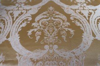 【生地】端切れ2枚*ゴールド ロココ調の優美なジャカード生地  92×87cm、88×65cm 高級輸入生地