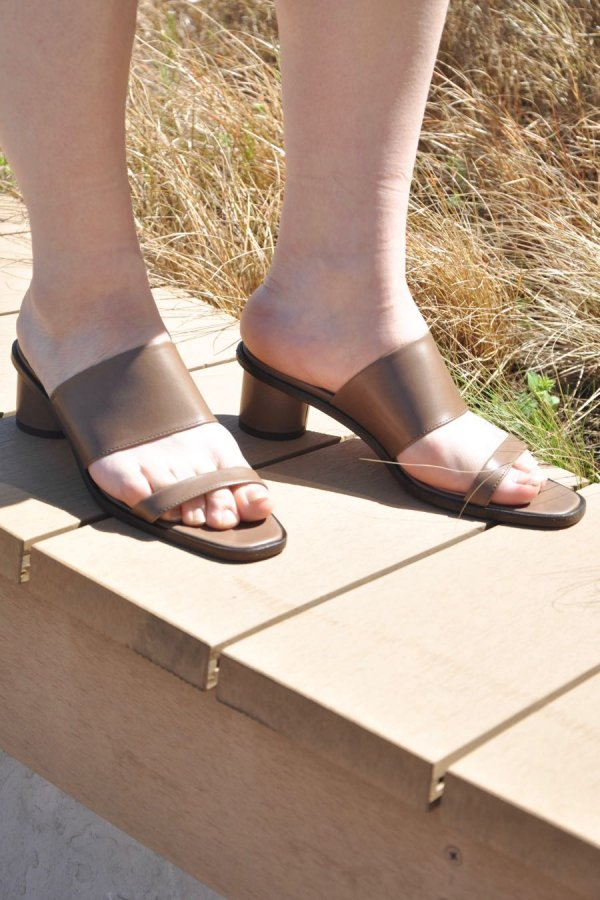 _Fot / HEEL BAND MULES / TAUPE