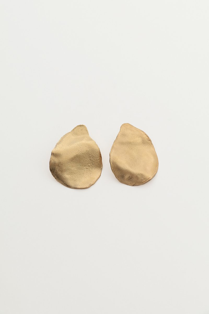 Irregular shape single earrings (gold)