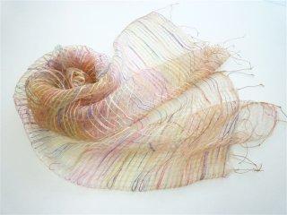 ふわっとやわらかシルクに先染色糸を織り込んだ大判スカーフ Aピンク×ベージュ FS228-A