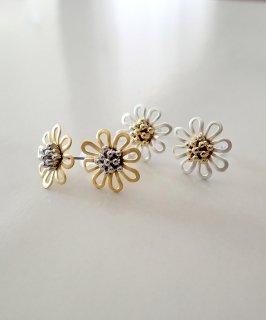 mille blanc◇Metal Flower Pierce