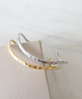 <img class='new_mark_img1' src='https://img.shop-pro.jp/img/new/icons8.gif' style='border:none;display:inline;margin:0px;padding:0px;width:auto;' />mille blanc◇Metal bangle