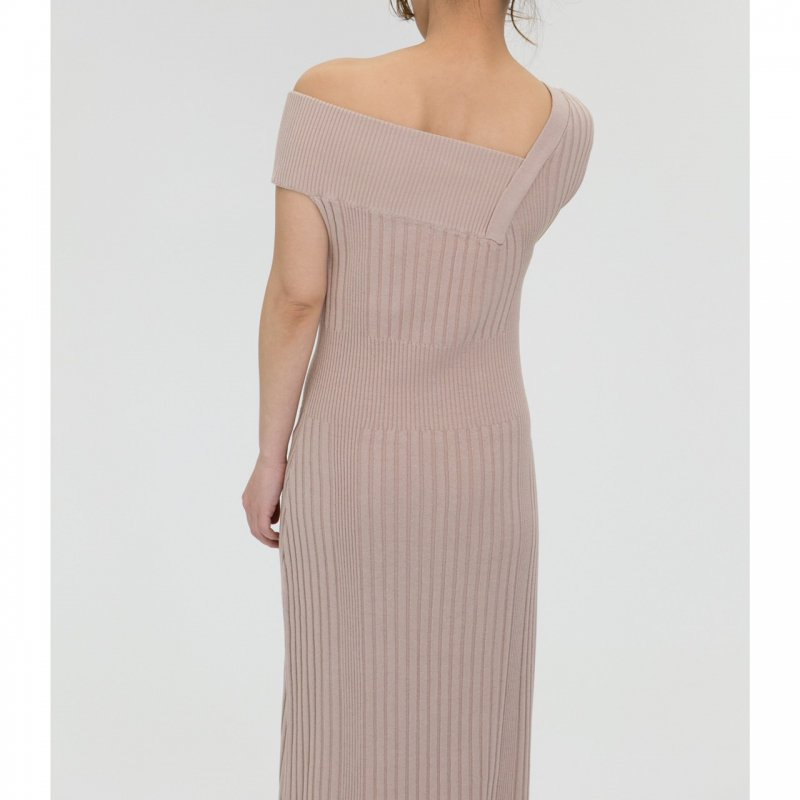 Asymmetry Knit One-Piece(Beige)<img class='new_mark_img2' src='https://img.shop-pro.jp/img/new/icons20.gif' style='border:none;display:inline;margin:0px;padding:0px;width:auto;' />