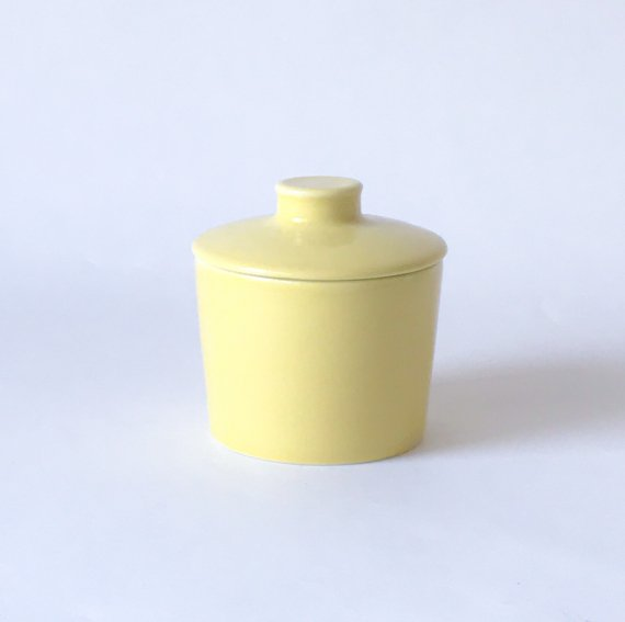 ARABIA TEEMA SUGAR POT<img class='new_mark_img2' src='https://img.shop-pro.jp/img/new/icons6.gif' style='border:none;display:inline;margin:0px;padding:0px;width:auto;' />