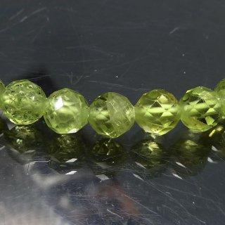 天然石 ペリドット スターカット 4.5mm ブレスレット per04.5002