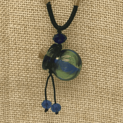 【SALE】 小さなガラス瓶のアロマペンダント 青緑ストライプ・丸型(メール便可)
