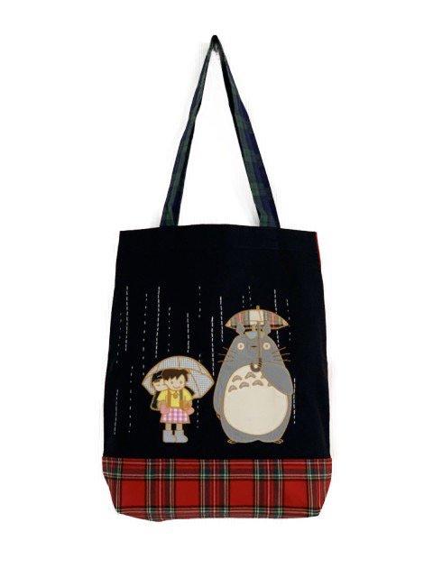 手づくりのバッグ・トトロの雨刺繍