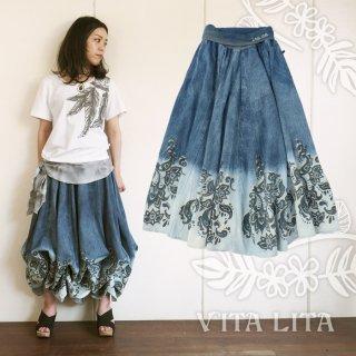 VITA LITA(ヴィータリータ)デニムペイズリーバルーンロングスカート