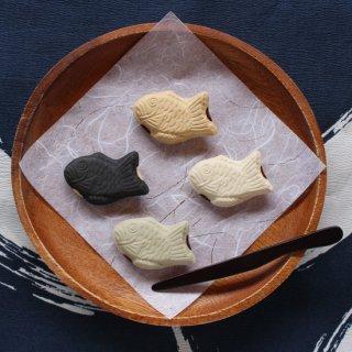 【ギフト対応可】美濃焼陶器箸置き 「たい焼き4色セット」(ノーマル/抹茶/白/黒)