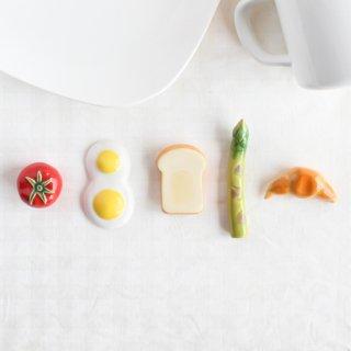 【ギフト対応可】美濃焼陶器 箸置き 「GOODモーニングセット」(ホールトマト・目玉焼き・食パン・アスパラ・クロワッサン)