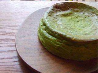 抹茶のベイクドチーズケーキ