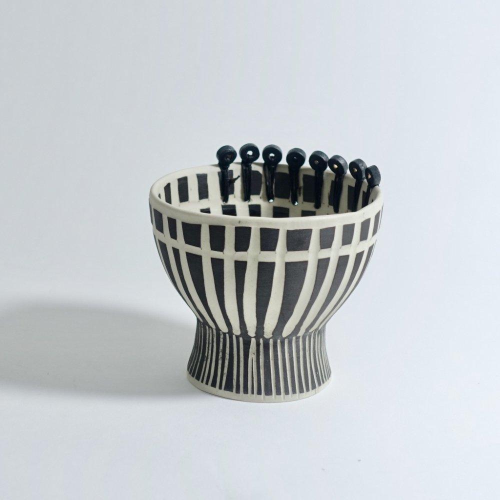 colored foot bowls black