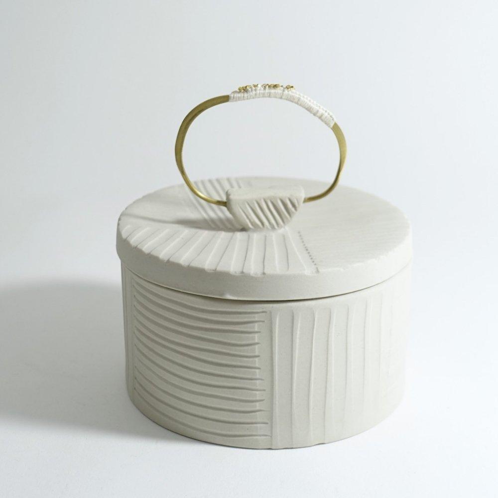 white box L