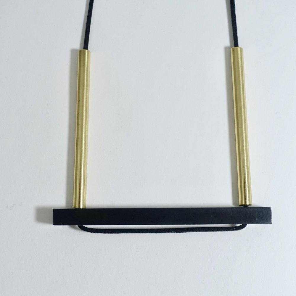 bridge necklace_black