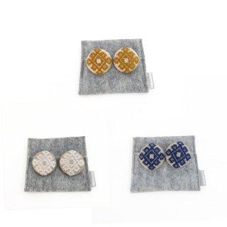 三つ豆 こぎん刺しのイヤリング/石畳の花コ囲み