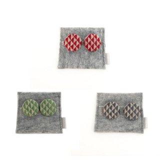 三つ豆 こぎん刺しのイヤリング/ウロコ