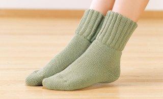 毛布のような靴下すべり止め付