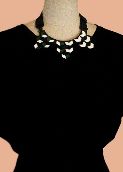 La Flor Large Collar ネックレス