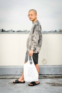 <img class='new_mark_img1' src='https://img.shop-pro.jp/img/new/icons1.gif' style='border:none;display:inline;margin:0px;padding:0px;width:auto;' />【moreAXE × STINGRAY】Tyvek Tote Bag