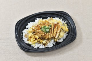 <img class='new_mark_img1' src='https://img.shop-pro.jp/img/new/icons15.gif' style='border:none;display:inline;margin:0px;padding:0px;width:auto;' />やきとり丼