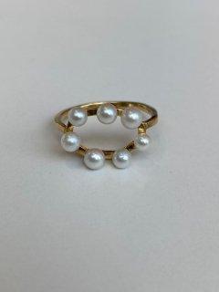 Mariko Tsuchiyama  baby pearl ring