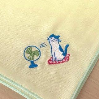 刺繍ハンカチ(ねこ扇風機)