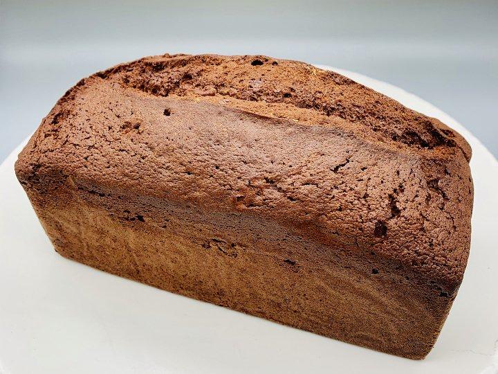 イチジクとナッツ入りチョコレートパウンドケーキ(ホール)<br />Whole Chocolate, fig and nuts<br />Pound Cake