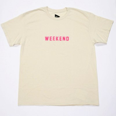 <img class='new_mark_img1' src='https://img.shop-pro.jp/img/new/icons16.gif' style='border:none;display:inline;margin:0px;padding:0px;width:auto;' />FUNG / PRINT Tee (WEEKEND) - NATURAL