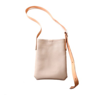 Hender Scheme / one side belt bag small - beige