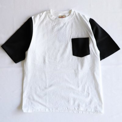 <img class='new_mark_img1' src='https://img.shop-pro.jp/img/new/icons16.gif' style='border:none;display:inline;margin:0px;padding:0px;width:auto;' />GOOD WEAR/ COLOR BLOCK POCKET TEE - WHITE