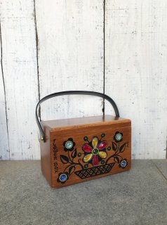 <img class='new_mark_img1' src='https://img.shop-pro.jp/img/new/icons50.gif' style='border:none;display:inline;margin:0px;padding:0px;width:auto;' />Vintage Enid Collins Wooden Box Purse