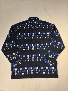 <img class='new_mark_img1' src='https://img.shop-pro.jp/img/new/icons14.gif' style='border:none;display:inline;margin:0px;padding:0px;width:auto;' />90s Polyester Pattern Shirt