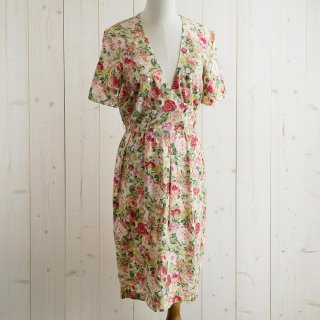 <img class='new_mark_img1' src='https://img.shop-pro.jp/img/new/icons14.gif' style='border:none;display:inline;margin:0px;padding:0px;width:auto;' />Flower Print Dress ワンピース ホワイト