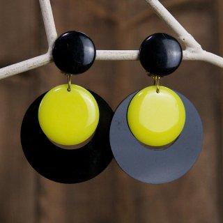 古着60's〜70's フランス製 Vintage Earring ブラック × イエロー 古着のネット通販 古着屋グレープフルーツムーン