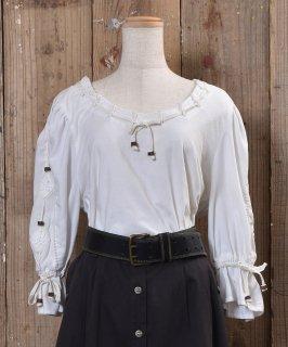 古着 European Tyrol Design White Tops|ヨーロッパ・チロル風 デザイントップス 古着 ネット 通販 古着屋グレープフルーツムーン