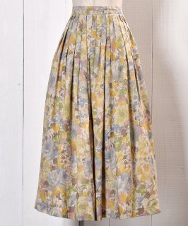 古着 Made in GERMANY Watercolor Flower Pattern Skirt |ドイツ製 水彩画風 花柄  スカート 古着のネット通販 古着屋グレープフルーツムーン