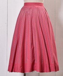 古着 Made in Europe Stripe Pattern Shirring Tyrol Skirt|ヨーロッパ製 リトルフラワー柄 チロルスカート ピンク系 古着のネット通販 古着屋グレープフルーツムーン