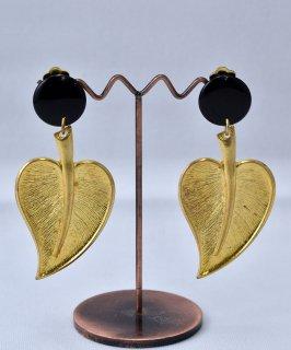 古着 Made in USA Leaf Earring | アメリカ製 葉っぱ モチーフ イヤリング | ゴールド 古着のネット通販 古着屋グレープフルーツムーン