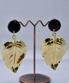 古着 Made in USA Leaf Earring | アメリカ製 葉っぱモチーフイヤリング | ゴールド 古着のネット通販 古着屋グレープフルーツムーン