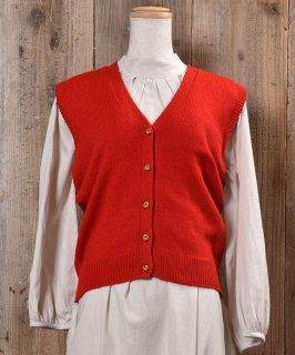 古着Gold Button Red V Neck Vest|ゴールド飾りボタン付きVネックニットベスト レッド 無地 古着のネット通販 古着屋グレープフルーツムーン