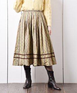 古着ヨーロッパ製 チロルスカート ピスタチオカラー 古着のネット通販 古着屋グレープフルーツムーン