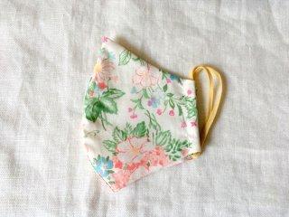 布マスク33 アイボリー地に手描き風花柄