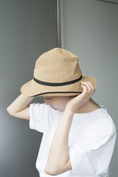 BOXED HAT<br>7cm brim<br>switch color line